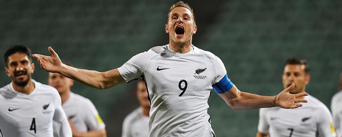 Игрок новозеландской команды по футболу