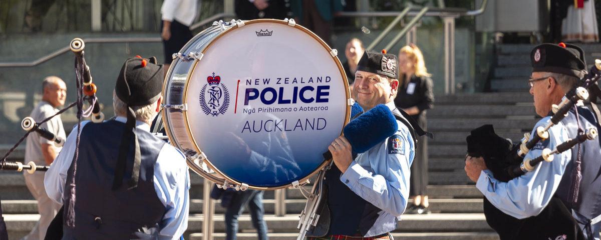 Полицейский с барабаном