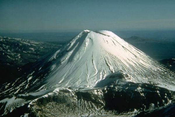 Вулкан Нгаурухое (Ngauruhoe)