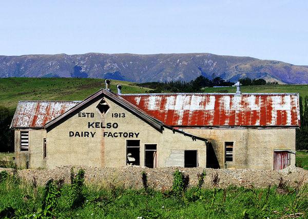 Заброшенное здание молокозавода в Келсо