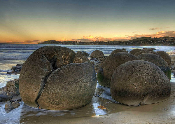 Валуны Моераки (Moeraki Boulders) Хэмпден, Новая Зеландия