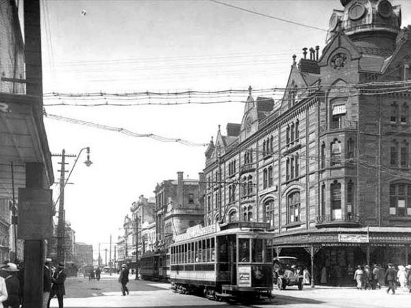 Угол Queen и Shortland Street, 1921 год