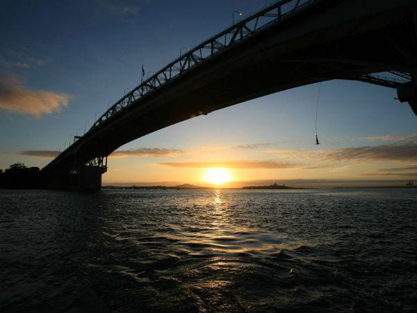 Оклендский мост (Auckland Harbour Bridge)