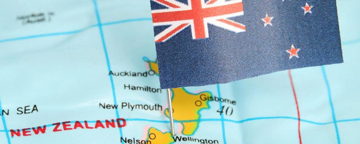Карта и флаг Новой Зеландии